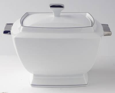 Vegetable/Soup Tureen large