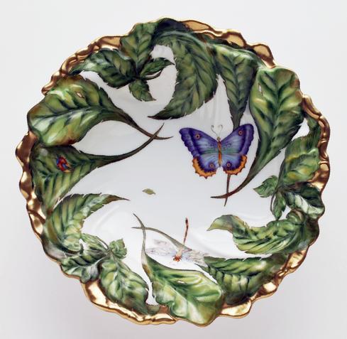 Medium Embossed Leaf Bowl